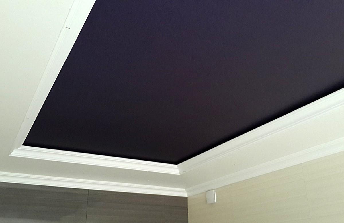Фото 4 - Классический вариант натяжного потолка системы Краб