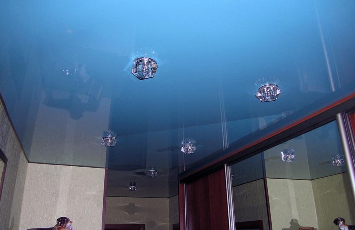 Фото 6 - Натяжной потолок (беcщелевой) – цветной глянец