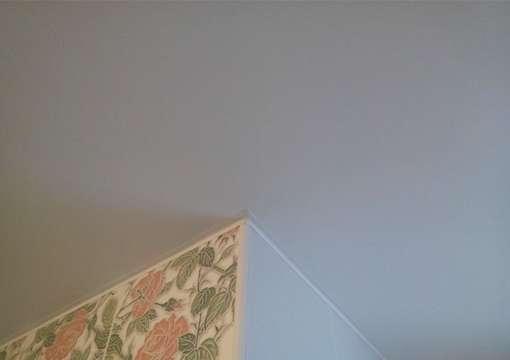 Фото 29 – Правильная работа с углами и натяжным потолком