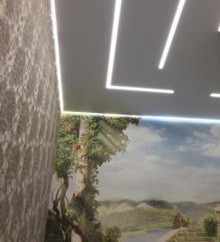 Световые линии в натяжных потолках